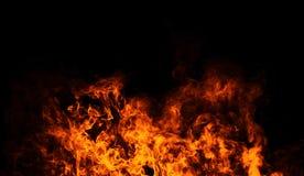 Les flammes du feu donnent une consistance rugueuse sur le fond noir d'isolement Recouvrements parfaits de texture pour l'espace  illustration de vecteur