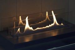 Les flammes en plan rapproché électrique de cheminée Photo libre de droits