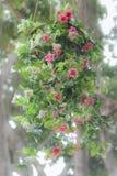 les fleurs artificielles se sont levées Photos libres de droits