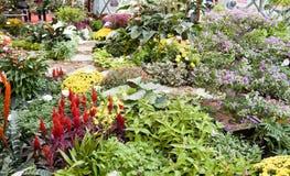Les fleurs décorent Image libre de droits