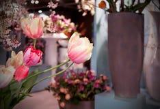 Les fleurs jaillissent système Photo libre de droits