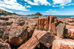 Les formations de roche vives peu communes dans la mimosa bascule le parc national, NSW, Australie image stock