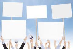 Les foules des personnes ont protesté contre le social ou le problème politique photo stock