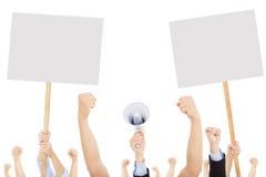 Les foules des personnes ont protesté contre le social ou le problème politique image stock