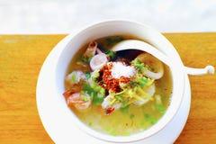 Les fruits de mer de bouillie de maïs ont bouilli le petit déjeuner délicieux Thaïlande FO de fruits de mer de riz photographie stock libre de droits