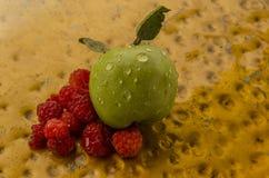 Les fruits et les baies mûrs doux Photographie stock libre de droits