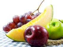 Les fruits frais ont mélangé les fruits suivants un régime de consommation saine de fond de fruits Photos libres de droits