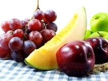 Les fruits frais ont mélangé les fruits suivants un régime de consommation saine de fond de fruits Images stock