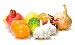 les fruits ont isolé des légumes image libre de droits