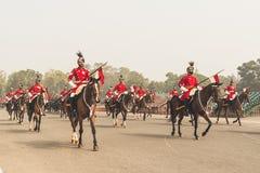 Les gardes du corps présidentiels montés préparent pour le défilé de jour de République Image libre de droits
