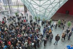 Les gens à EICMA 2014 à Milan, Italie Photos stock