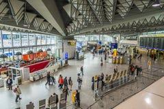 Les gens à l'aéroport à Francfort Photos libres de droits