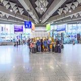Les gens à l'aéroport Photos stock