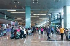 Les gens à l'aéroport de Changi à Singapour Images libres de droits