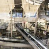 Les gens à l'aéroport de Charles de Gaulle Image libre de droits