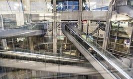 Les gens à l'aéroport de Charles de Gaulle Images libres de droits