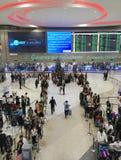 Les gens à l'aéroport de Don Mueang, Bangkok Images libres de droits