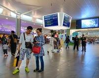 Les gens à l'aéroport de KLIA 2 en Kuala Lumpur, Malaisie Image libre de droits