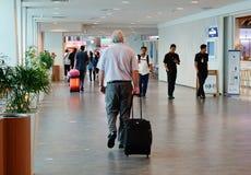 Les gens à l'aéroport de KLIA, Malaisie Images stock