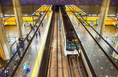 Les gens à la métro de Madrid, Espagne Photos libres de droits