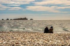 Les gens à la plage de Raphael de saint chez la Côte d'Azur, France photo stock