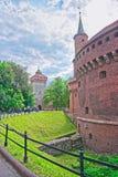 Les gens à St Florian Gate dans la vieille ville à Cracovie photo libre de droits