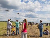 Les gens à un airshow Photos stock