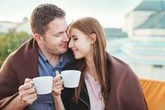 Les gens appréciant le café ensemble Photographie stock