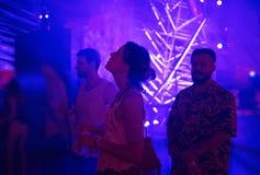 Les gens appréciant Live Music Concert Festival Photo libre de droits