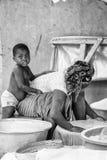 Les gens au Bénin, en noir et blanc Image libre de droits