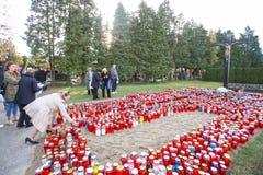 Les gens au cimetière Image stock