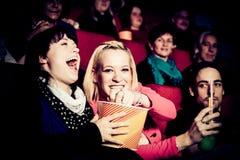Les gens au cinéma Image stock