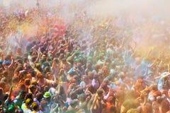 Les gens au festival de couleurs Holi Barcelone Photographie stock