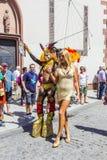 Les gens au jour de rue de Christopher à Francfort Images libres de droits