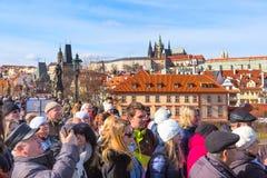 Les gens au point de vue élevé de Prague, République Tchèque Image libre de droits