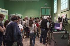 Les gens au prochain Fest de câble à Milan, Italie Images stock