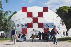 Les gens au prochain Fest de câble à Milan, Italie Photos stock