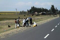 Les gens aux routes de l'Ethiopie en Afrique Photographie stock libre de droits
