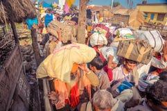 Les gens avec le bagage dans le Bengale-Occidental Image libre de droits
