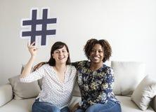 Les gens avec le concept social de media Photo libre de droits