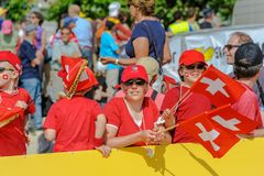 Les gens ayant l'amusement aux championnats de course d'orientation du monde à Lausanne, Suisse image stock