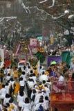 Les gens célébrés fou dans le défilé de mardi gras. Photo stock