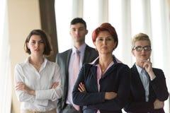 Les gens d'affaires groupent, femme dans l'avant comme meneur d'équipe Images stock