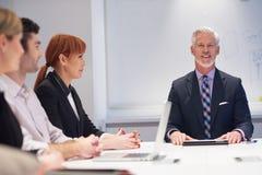 Les gens d'affaires groupent sur la réunion Photos stock