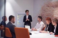 Les gens d'affaires groupent sur la réunion Photo libre de droits