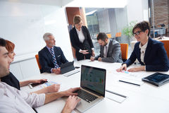 Les gens d'affaires groupent sur la réunion Image libre de droits