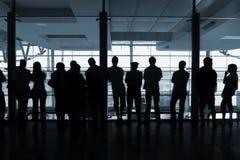 Les gens dans l'aéroport photographie stock