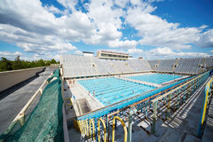 Les gens dans la piscine ouverte du complexe Luzhniki de sports photographie stock libre de droits