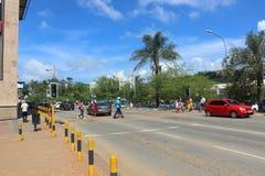 Les gens dans la rue à Mbabane, Souaziland, Afrique australe, ville africaine Images stock