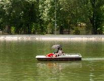 Les gens dans le bateau Photo stock